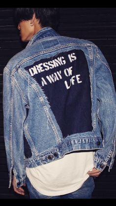 Yes, Dressing is a way of life! All Jeans, Jeans Denim, Custom Clothes, Diy Clothes, Mode Hip Hop, Demin Jacket, Estilo Hippie, Mode Jeans, Denim Ideas
