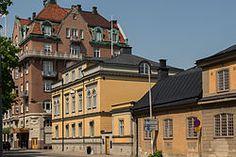Karolinska skola Örebro | Olaigatan 2014 med Centralpalatset , Husarernas kanslihus och ...