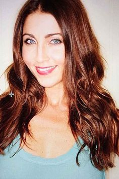 Owner, Mary Padian, from A&E's Storage Wars salvages design worthy items out of abandoned storage lockers she buys to sell. Best Honey, Reality Tv Stars, Girl Next Door, Beautiful Eyes, Business Women, Pretty Girls, Eye Candy, Mary, Actresses
