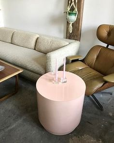 Warm and #cozy mornings in the living-room. Sorry pink laminate table already SOLD. Milo Baughman vintage cream sofa $3200 • Lane midcentury coffee table $300 • Brown leather, wood and chrome Plycraft lounge chair $650 • Macrame plant hanger and ceramic pot $68 • mid century glass square candle stick holders $42. 〰〰〰 #pink #Plycraft #loungechair #milobaughman #sofa #midcentury #livingroom #midcenturyfurniture #midcenturymodern #laminate #leather #chrome #lanefurniture #style #love ##pastel