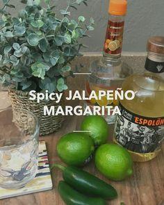 Margarita Bebidas, Margarita Drink, Jalapeno Margarita, You And Tequila, Cocktail Videos, Tequila Shots, Triple Sec, Cocktails, Drinks
