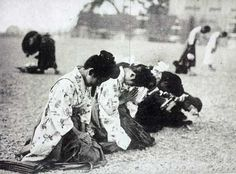 The death of the Meiji Emperor. Mourners.