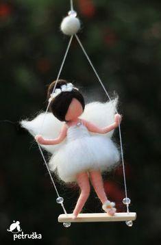 needle felted waldorf inspired Fairiy in white on the swing, Christmas, wool… Felt Crafts, Fabric Crafts, Felt Angel, Felt Fairy, Felting Tutorials, Flower Fairies, Waldorf Dolls, Fairy Dolls, Felt Dolls