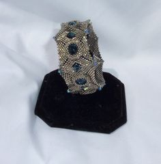 3-in-1 cuff bracelet pattern, Patron 3-en-1 pour bracelet; bilingual francais-english (peyote & Herringbone)