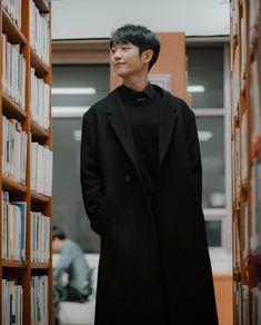 Jung Hae In Korean Men, Asian Men, Lee Hyuk, Handsome Korean Actors, Pose, Perfect Boyfriend, Kdrama Actors, Cute Actors, Pretty Men