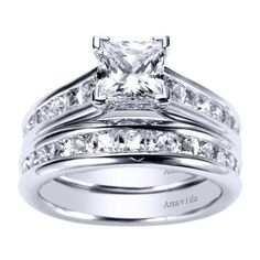 Type of ring I want! My favorite style! Solitaire, princess cut, small princess cut diamonds on band , cathedral setting