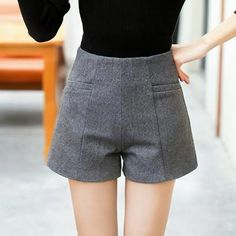 WKOUD Women Wool Shorts Fashion Winter Short Pants Zip Up Fake Cashmere High Waist Shorts Solid Casual Bootcuts Female Winter Shorts, Fall Outfits For Work, Winter Outfits Women, Short Elegantes, Winter Stil, Velvet Shorts, Pants For Women, Clothes For Women, Fall Clothes