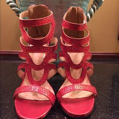 Scene NWT heel size 6.5 NWOT  shoe has a 5 in heel and a zip back closure Size 6.5 NWOT (tried in never worn ) no flaws Scene Shoes Heels