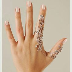 Two fingers floral ring.