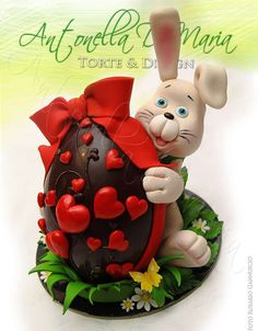 17 Ideas for basket gift design Chocolate Art, Easter Chocolate, Chocolate Lovers, Easter Candy, Easter Treats, Luxury Easter Eggs, Egg Cake, Creme Egg, Diy Ostern