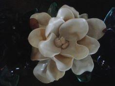 Flor hecha de plastico