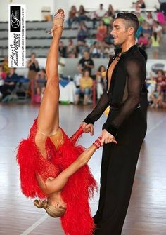 Yoga Poses For a Flat Tummy.Yoga Poses For a Flat Tummy Dance Photos, Dance Pictures, Baile Jazz, Baile Latino, Tango Dancers, Ballroom Dance Shoes, Latin Dance Dresses, Raves, Dance Art