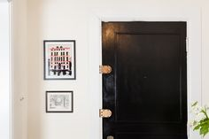 Yana Puaca's Chicago Home Tour #theeverygirl