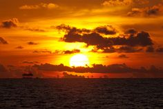 Sunset in the Gulf off the coast of Alabama (Oceana Latitude Gulf Expedition 2010) by oceana.org, via Flickr
