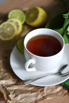 Herbata- (klasyczna, z cytryną lub smakowa). 3 zł