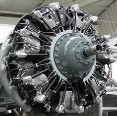How to wire up a convincing radial engine (Updated FineScale Modeler Plane Engine, Aircraft Engine, Jet Engine, Ww2 Aircraft, Grumman F6f Hellcat, Bristol Beaufighter, Essentials Magazine, Radial Engine, Focke Wulf