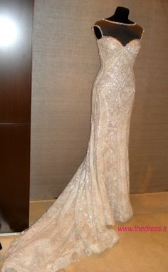 abito da sposa Yirsa Atelier Pronovias 2014 foto thedress.it