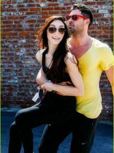 Meryl Davis Has Post-DWTS Practice Lunch with Maksim, Val and Danica!: Photo Maksim Chmerkovskiy playfully picks up Meryl Davis while exiting the dance studio in Los Angeles on Saturday afternoon (March The two are just a day away… Dance Like No One Is Watching, Just Dance, Beautiful Love Stories, Beautiful People, Beautiful Places, Celebrity Couples, Celebrity Gossip, Dancing With The Stars Pros, Aubrey O'day
