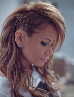 Try your hand at a side braid 80's Hairstyles That Are Actually Trendy Again • Page 5 of 5 • BoredBug