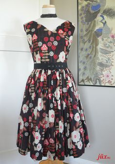 summer dress from vintage 1958 pattern - see here - http://juxtaposenz.blogspot.co.nz/2011/02/the-perfect-day.html