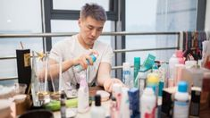 Men waking up to the beauty of makeup List Of Cosmetics, Cosmetics Market, Women In China, Male Makeup, The New Wave, Professional Makeup Artist, Eyebrow Pencil, Contouring And Highlighting, Makeup Brands