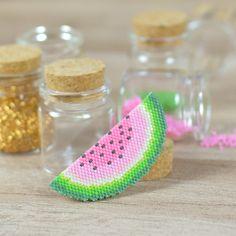 Watermelon brooch, brickstitch, Miyuki Beads.
