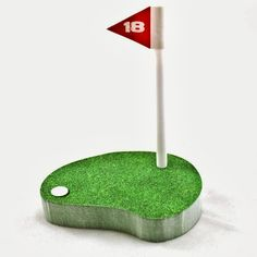 Golf Notepad: best suited for any golfer, these sticky notes come with a flagpole pen