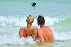 Selfie People Man Woman Selfiestick Ocean Sea Check out Fuerteventura and find a pristine coastline with emerald green seas and… Make Money Writing, Make Money Blogging, Make Money Online, Money Tips, Selfies, Selfie Captions, Make Money Fast, Make Money From Home, Smartphone Reconditionné