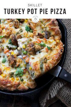 Turkey Recipes, Dinner Recipes, Pizza Recipes, Dinner Ideas, Appetizer Recipes, Chicken Recipes, Pizza Pot Pie, Pizza Pizza, Pizza Party