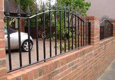 muret de jardin avec barreau acier synfy