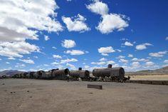 Cementerio de los trenes en Bolivia 🇧🇴😍 Bolivia, Travel Memories, Instagram, Beach, Water, Outdoor, Memorial Park, Trains, Water Water
