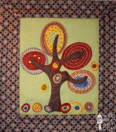 Kimara of Wee Folk Art is sharing her original pattern for this Funky Falling Leaves Wall Hanging. This may be the perfect colorful autumn touch to your decor! Get the pattern. Free Applique Patterns, Felt Patterns, Applique Ideas, Free Pattern, Felt Applique, Applique Quilts, Diy Accessoires, Quilting, Wool Quilts