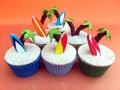 hawaii themed party - cupcakes