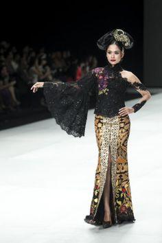 ifw 2014 Kebaya Kutu Baru Modern, Modern Kebaya, Batik Kebaya, Batik Dress, Kebaya Jawa, Indonesia Fashion Week, Indonesian Kebaya, Kebaya Brokat, Kebaya Indonesia