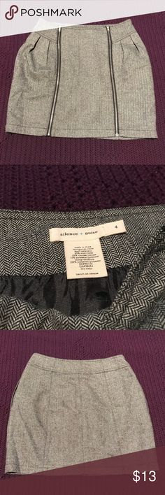 Urban Outfitters Silence + Noise Zipper Skirt Sz 4 I am selling my Urban Outfitters Silence + Noise Gray Skirt in Sz 4. It is in excellent condition. Please let me know if you have any questions or would like to make an offer. Thanks! silence + noise Skirts Midi
