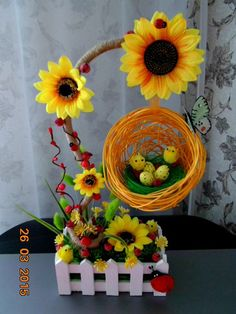 Photo Easter Projects, Easter Crafts, Projects To Try, Summer Crafts, Diy And Crafts, Easter Flower Arrangements, Floral Bouquets, Flower Crafts, Easter Baskets