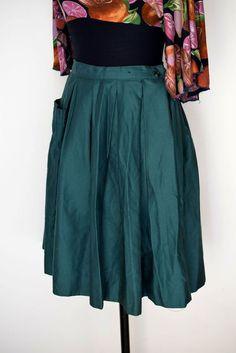 """Vintage 1970's """"ATA"""" """"אתא"""" Israeli Brand Skirt, 100% Cotton Skirt,  Green Skirt, Pleated Skirt, Small Size Skirt by TheTreasureBoxOrna on Etsy"""