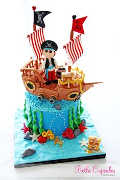 The Pirate Cake. I wanna try to make a cake like this! Crazy Cakes, Fancy Cakes, Cute Cakes, Pirate Birthday, Pirate Theme, Cakepops, Pirate Ship Cakes, Pool Cake, Novelty Cakes