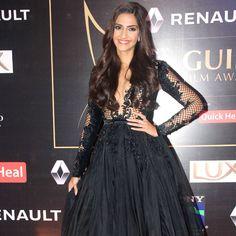 Sonam Kapoor at the #GuildAwards2015. #Bollywood #Fashion #Style #Beauty #Hot #Sexy