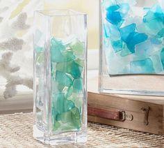 Раньше я считала, что вазы существуют исключительно для того, чтобы ставить в них цветы, а пустые вазы прятать на антресоли до следующего повода. А не так давно приобрела себе интересный экземпляр, который с цветами просто не смотрится. И вот я решила поискать на просторах интернета идеи по необычному использованию ваз, а находками поделиться с вами.