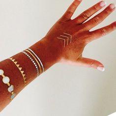 Flash Tattoos - jewelry-inspired metallic temporary tattoos #flash #inspired #jewelry #metallic #ModedesignTattoos #tattoos #temporary Diy Tattoo, Gold Tattoo, Metal Tattoo, Tiger Tattoo, Tattoo Black, Wrist Tattoo, Tattoo Pics, Rose Tattoos, Girl Tattoos