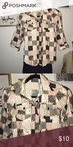 9396679c5a3 Floral half sleeve Floral half sleeve condition: used twice Tops Blouses