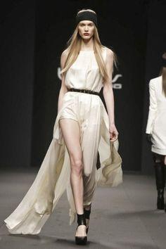 cutout skirt panels - Byblos Fall Winter Ready To Wear 2013 Milan
