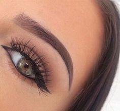 Thin on point eye brows and a long lashes Kiss Makeup, Cute Makeup, Beauty Makeup, Hair Makeup, Makeup Eyes, Eyebrow Makeup, Pretty Makeup, Makeup Goals, Makeup Inspo