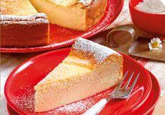 Der Käsekuchen gehört zu den beliebtesten Torten der Deutschen. Warum das so ist verrät vielleicht unser Rezept für Käsekuchen mit Grieß.