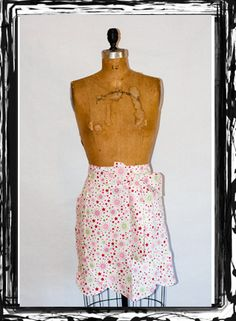 Half Tulip Apron in a Pink Celebration Holiday pattern... Great gift idea for any fun-loving, hardworking lady! #GiftIdea