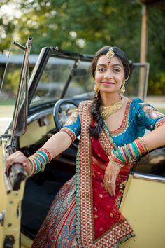 10a INDIAN WEDDING BRIDE RED AND BLUE PORTRAIT