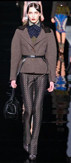 Etro Fall 2012 Ready-to-Wear Fashion Show - Denija Sarkanbikse Runway Fashion, High Fashion, Fashion Show, Fashion Design, Milan Fashion, Stylish Coat, Milano Fashion Week, Androgynous Fashion, Review Fashion