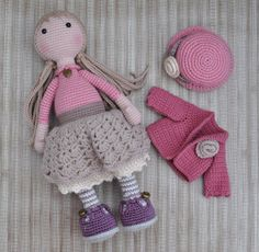 This post was discovered by Pa Crochet Doll Dress, Crochet Doll Clothes, Crochet Doll Pattern, Crochet Toys Patterns, Knitted Dolls, Amigurumi Patterns, Amigurumi Doll, Stuffed Toys Patterns, Doll Patterns