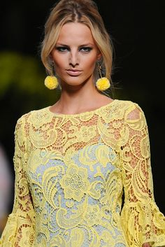 Francis Montesinos - yellow lace